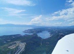 Zur Rechten: Die Ausläufer von Rijeka