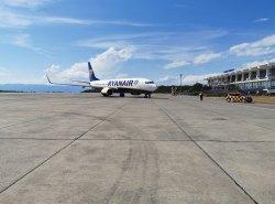 Parken Deluxe: Direkt neben der Ryanair 737