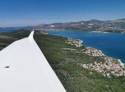 Abflug über die Bucht von Split